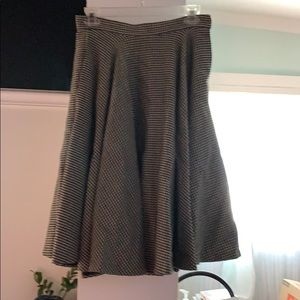 Houndstooth vintage thick wool (I think) skirt